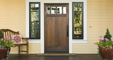 Puerta Residencial en casa unifamiliar